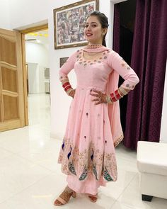 Bridal Suits Punjabi, Punjabi Suits Party Wear, Party Wear Indian Dresses, Pakistani Fashion Party Wear, Indian Fashion Dresses, Dress Indian Style, Indian Designer Outfits, New Punjabi Suit, Latest Punjabi Suits