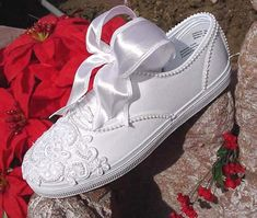 16 Best diy images | Wedding converse, Converse vintage, How