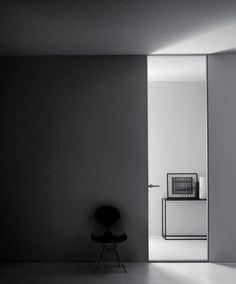 Glass door by Piero Lissoni for Glasitalia
