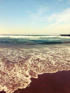 Durban. Zuid-Afrika. Die kleuren van de oceaangolven...prachtig, zulke mooie tinten blauw, dat zie je alleen in de golven van een oceaan.