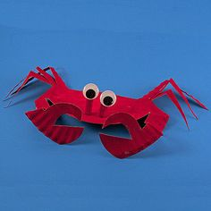 Paper Plate Sea Crab Learn how to transform an ordinary paper plate into this cute crab! A fun summertime craft for your kids. The post Paper Plate Sea Crab was featured on Fun Family Crafts. Kids Crafts, Crab Crafts, Paper Plate Crafts For Kids, Family Crafts, Beach Crafts, Summer Crafts, Craft Stick Crafts, Paper Crafts, Craft Ideas