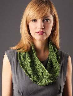Yarnspirations.com - Patons Gorgeous Glow Cowl - Patterns  | Yarnspirations