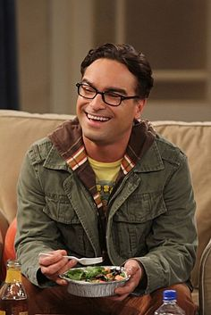 """Johnny Galecki (as Leonard Hofstadter) in """"The Big Bang Theory"""" (TV Series) Johnny Galecki, Big Bang Theory, Leonard Hofstadter, Golden Globe Nominations, Bigbang, Favorite Tv Shows, Movies And Tv Shows, Bangs, At Least"""