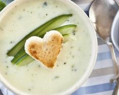 Recipe of Cream of Leek Soup with Ginger , Healthy Sauces, Healthy Recipes, Delicious Recipes, Cream Of Leek Soup, Cream Soup Recipes, Oven Vegetables, Homemade Sauerkraut, Great Appetizers, Cold Meals