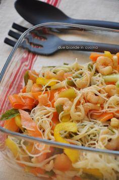 Due bionde in cucina: Insalata di noodles di riso con gamberetti
