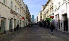 Poznaj historię ulicy Chmielnej – spacer z przewodnikiem