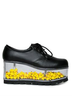 Duck shoes by yru Dr Shoes, Crazy Shoes, Me Too Shoes, Shoes Heels, Pretty Shoes, Cute Shoes, Nike Outfits, Fashion Outfits, Estilo Geek