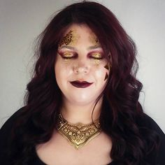 #avantgarde #gold #glitter #catwalk #runwaymakeup #mua #makeupartist #makeup #model #photoshoot #glam #highlight #contour #smokey #highfashion  #look