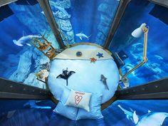 O quarto é submerso em três milhões de litros de água, dentro de um aquário de 10 metros de profundidade (Foto: Divulgação)