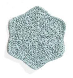 Ravelry: Sylvan Star Washcloth pattern by Lion Brand Yarn Diy Tricot Crochet, Crochet Dishcloths, Love Crochet, Crochet Motif, Crochet Crafts, Yarn Crafts, Crochet Stitches, Crochet Hooks, Crochet Projects