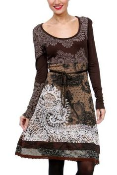 Tisdale Desigual dress from the Ethnic line. Brown tones combine with white printed detail, to give this dress a bohemian and artistic look.