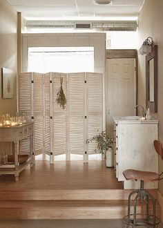 I love the shutter door idea. Could incorporate this into master bedroom...to create partial second bathroom...so much extra space I could/should work with...ba_photostudio_20
