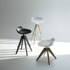 FLOW STOOL/FLOW POUF by Jean Marie Massaud - MDF Italia - News and press releases