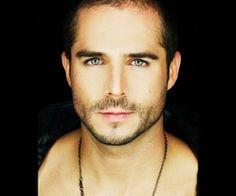 Mi actor Mexicano favorito!! =)