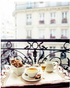 Breakfast at balconies - Paris hotel
