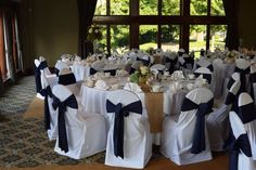 The classic black and white wedding Glen Oaks, Slate Roof, Awesome Hair, English Style, Wedding Bells, Cool Hairstyles, Places To Visit, Reception, Baby Shower