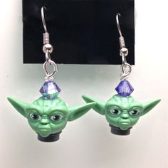 Yoda Earrings with Swarovski Legos, Minifigures Lego, Lego Jewelry, Lego Group, Geek Fashion, Sweet Nothings, Business Card Holders, Geek Chic, All Design
