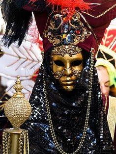red black - Carnival in Venice