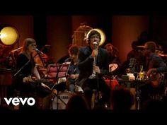 León Larregui - Visitantes (Lyric Video) - YouTube