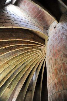 Galería de Clásicos de Arquitectura: Casa Milà / Antoni Gaudí - 9
