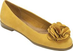 I live in flats. Thank God they are so stylish! I wish I could wear heels but they murder my feet!