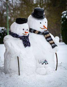 All things bright and beautiful.... — seasonalwonderment:   Snowmen