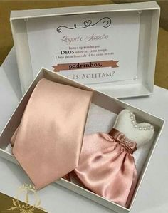 Convite de Casamento Maid Of Honor, Napkin Rings, True Love, Napkins, Bridesmaid, Wedding Day, Ideas, Best Man Wedding, Wedding Page Boys