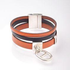De la couleur ! Craquez pour cette manchette en cuir orange et bleu marine avec son passe cuir Maille Marine :)  olivb.fr