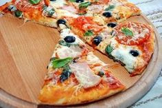 cow's milk (warm, not hot! Pizza Snacks, Pizza Recipes, Cooking Recipes, Perfect Pizza, Good Pizza, Best Homemade Pizza, Good Food, Yummy Food, How To Make Pizza