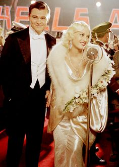 Leonardo DiCaprio and Gwen Stefani in The Aviator an amazing film. Gwen And Blake, Gwen Stefani And Blake, Leonardo Dicaprio, Aviator Movie, The Aviator, Gangster, Martin Scorsese, Fashion Tv, Movie Costumes