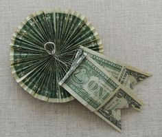 Money Rosette: Step-by-Step Instructions Money Lei, Money Origami, Origami Love, Origami Design, Origami Art, Oragami, Money Rose, Gift Money, Dollar Origami