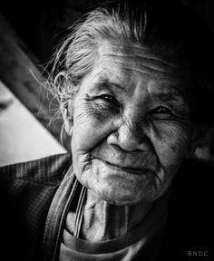 Portrait, Old Woman, Woman, Black and white, Monochrome, Happy, Emotional, Smile, Manila