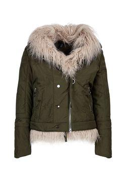Elegant, Winter Jackets, Fashion, Fashion Styles, Classy, Winter Coats, Moda, Winter Vest Outfits, Fashion Illustrations