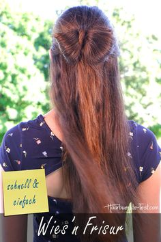 Oktoberfest Frisur With this hairstyle you will definitely fall on the Oktoberfest on … Oktoberfest Hairstyle, Dreadlocks, Hair Styles, Beauty, Dirndl, Oktoberfest Hair, Diy, Hair Makeup, Tutorials