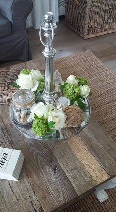 Spring diy home deco My Living Room, Home And Living, Fresh Flowers, White Flowers, Rivera Maison, Summer Deco, Spring Home, Decoration Table, Sweet Home