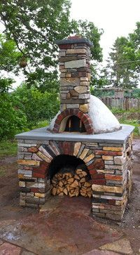 10 Outdoor Pizza Oven Design Ideas: I think having an outdoor pizza oven would be the ultimate entertaining piece for the back patio. I am sure there would be a bit of a learning. Oven Design, Patio Design, Garden Design, Pizza Oven Outdoor, Outdoor Cooking, Outdoor Fire, Outdoor Living, Outdoor Decor, Four A Pizza