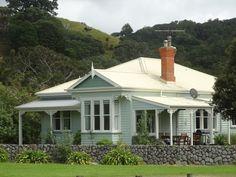 Classic New Zealand villa, Jones Beach near Matakana New Zealand