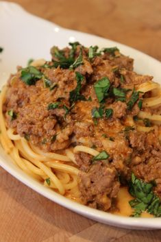 Best ever bolognese sauce basilmomma easy dinner ideas Beef Recipes, Italian Recipes, Hamburger Recipes, Yummy Recipes, Recipies, Supper Recipes, Healthy Dinner Recipes, Gooseberry Patch Cookbooks, Cooking Spaghetti