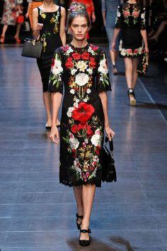 Coleção // Dolce & Gabbana, Milão, Verão 2016 RTW // Foto 22 // Desfiles // FFW