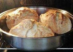 Εύκολο ψωμί χωρίς ζύμωμα σε γάστρα συνταγή από Athina Kili - Cookpad Kili, Dairy, Bread, Cheese, Food, Meal, Essen, Hoods, Breads