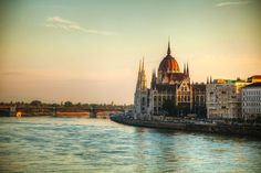 Budapest-Carnival-_-Cityscape-2.jpg (2123×1414)