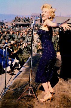 Marilyn Monroe- Tournée in Corea per sostenere le truppe americane-16-20 Febbraio 1954
