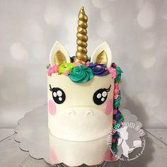 Magical unicorn cake #unicorncake #cake #unicorn #magical #thecakemomco