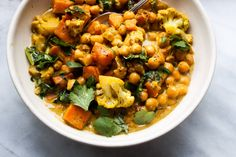 This beautiful golden curry by our friend Chloe Elgar of Chloe's Countertop fits the bill for an exceptionally tasty plant-based meal. Use it as a main dish f