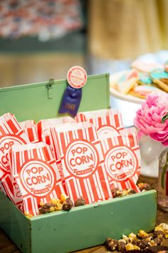 Farm Chicks Pre-Show Party at Anthropologie – Jenny Cookies Moose Munch, Harry And David, Jenny Cookies, Corn Pops, Gourmet Popcorn, Caramel Corn, Dessert Table, Anthropologie, Entertaining