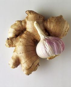 Tisztítsd meg az artériádat ezzel a keverékkel! Natural Cancer Cures, Natural Cures, Ginger Water Benefits, Cancer Fighting Foods, Health Eating, Green Life, Cancer Treatment, Natural Treatments, Alternative Medicine