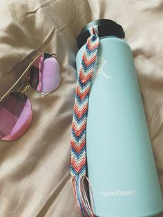 As a child of the I can confirm that friendship bracelets were all the rage. Stack these bracelets for a color block effect with an added pattern. Thread Bracelets, Embroidery Bracelets, Beaded Bracelets, String Bracelets, Beaded Jewelry, Diamond Bracelets, Handmade Bracelets, Armband Diy, Friendship Bracelet Patterns