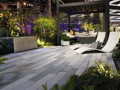 Loved this hardscape, especially the rectangular pavers.