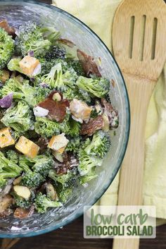 Broccoli Salad with Bacon! Low carb broccoli salad with bacon, ranch, and chedda. Broccoli Salad with Bacon! Low c. Salad Recipes With Bacon, Bacon Salad, Healthy Salad Recipes, Keto Recipes, Cheese Salad, Quiche Recipes, Bacon Recipes, Pasta Recipes, Chicken Recipes