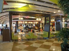 Terminal_food_court_between_terminals_1A_and_1C_at_Mumbai_airport_(1).JPG 3,648×2,736 pixels